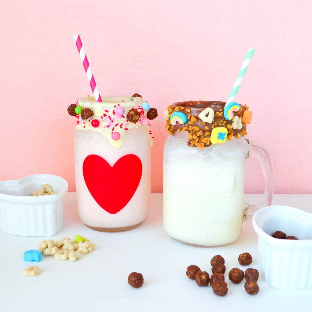 <center>シンプル&1番簡単!フリークシェイク風ミルクシェイクの作り方 <br><small>Super Easy Milk Shake</small></center>