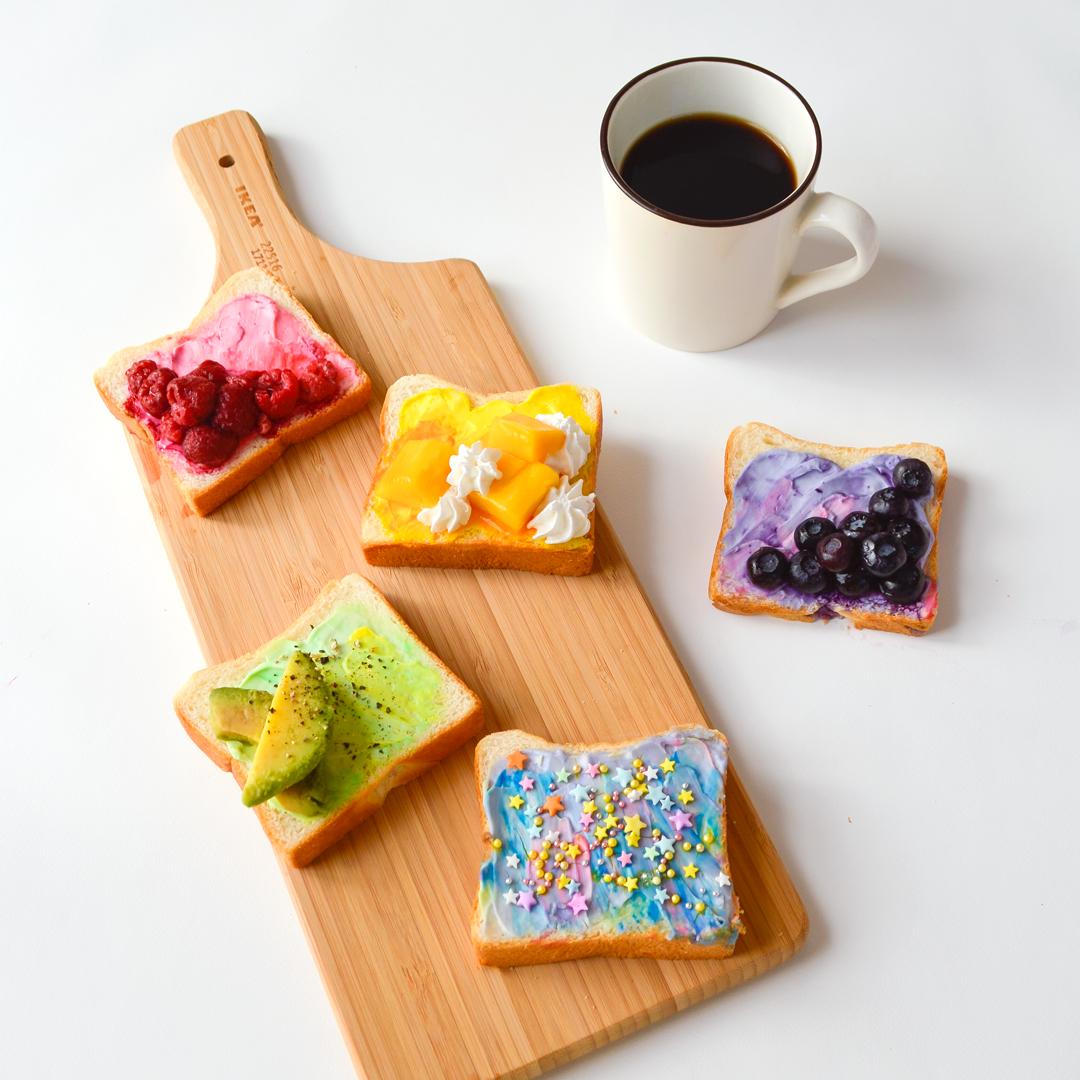 <center>ユニコーンカラーが可愛い!ヘルシーで美味しいトーストレシピ <br><small>Healthy Unicorn Toast</small></center>