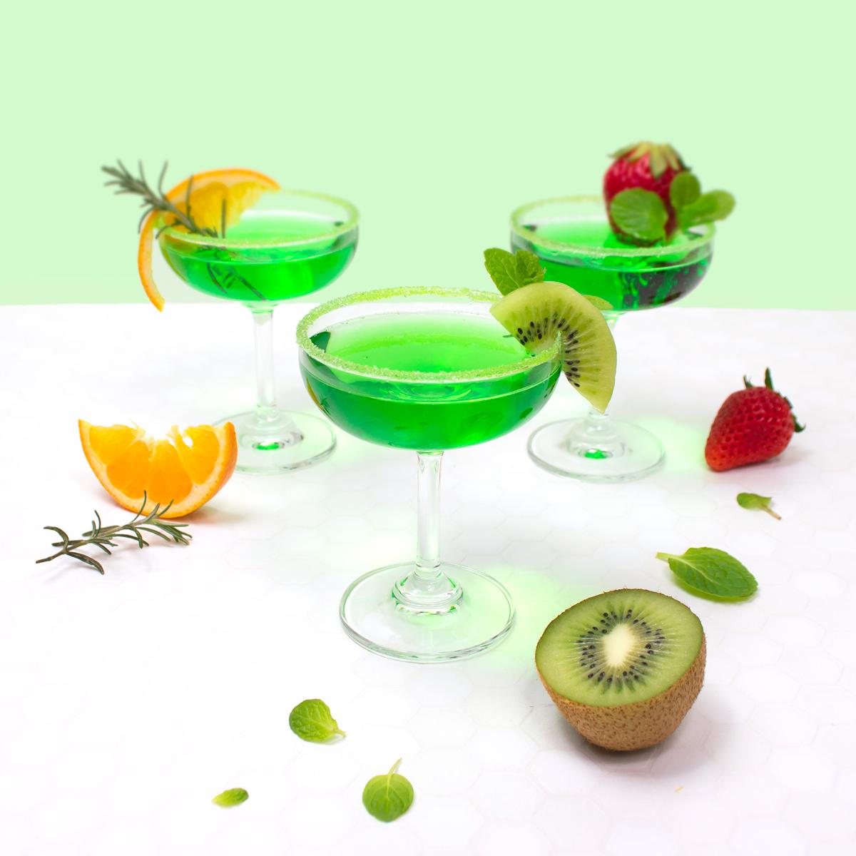 <center>キャプテンメロンで作る!グリーンカクテル&懐かしメロンソーダ・セントパトリックスデーにも! <br><small>Green Melon Cocktail & Soda</small></center>