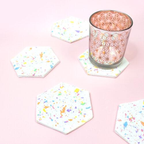 <center>粘土クレイで作る!テラッソ柄ヘキサゴンコースターの作り方(無料素材) <br><small>DIY Hexagon Terrazzo Coaster</small></center>