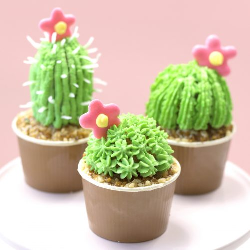 <center>食べれるサボテン?!簡単サボテンカップケーキの作り方<br><small>Easy Cactus Cupcakes</small></center>