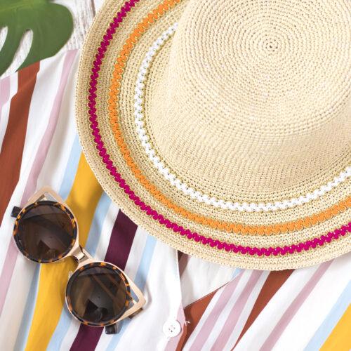 <center>麦わら帽子をブレードテープで可愛くアレンジ!5分で出来る簡単DIY<br><small>Easy Tape Summer Hat</small></center>