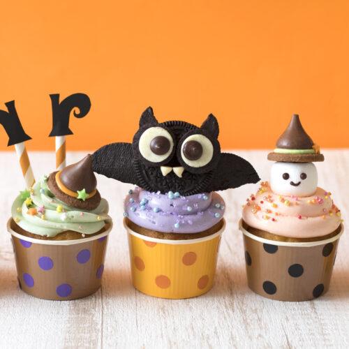 3種のハロウィンカップケーキ★簡単デコレーションのやり方【おばけ・魔女・コウモリ】<br><small>Halloween Cupcake Decoration</small>